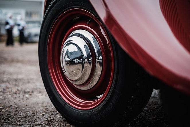 Así se detecta la cristalización de los neumáticos para evitar el peligro en carretera