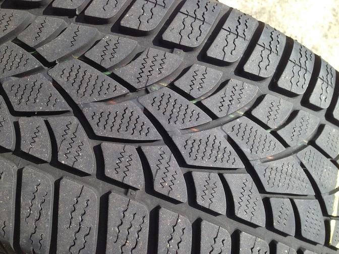 Profundidad del dibujo de los neumáticos