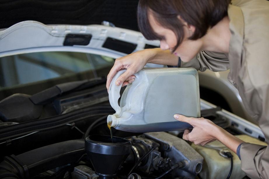 rellenar-aceite-motor